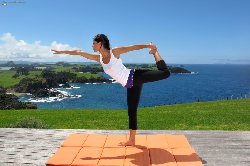 Melisa - yoga and beautiful landscape