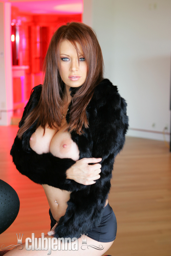Jenna Jameson in black fur
