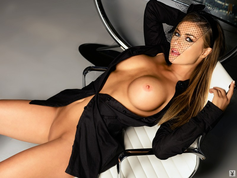Carmen Electra in playboy big tits blonde Carmen Electra celebrities