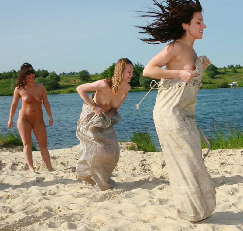 Nudists and Naturists beach group nudists public