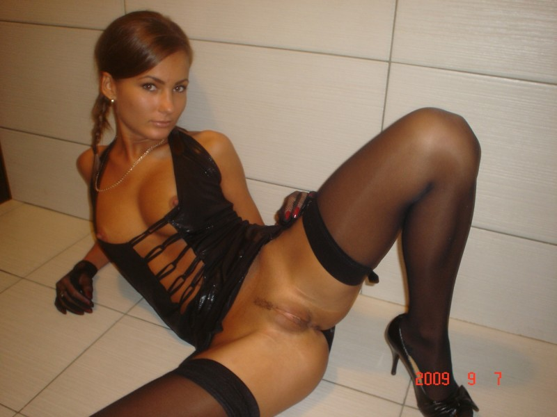 Hot tanned wife in stockings amateur flash in public garters nude public sex stockings tanned