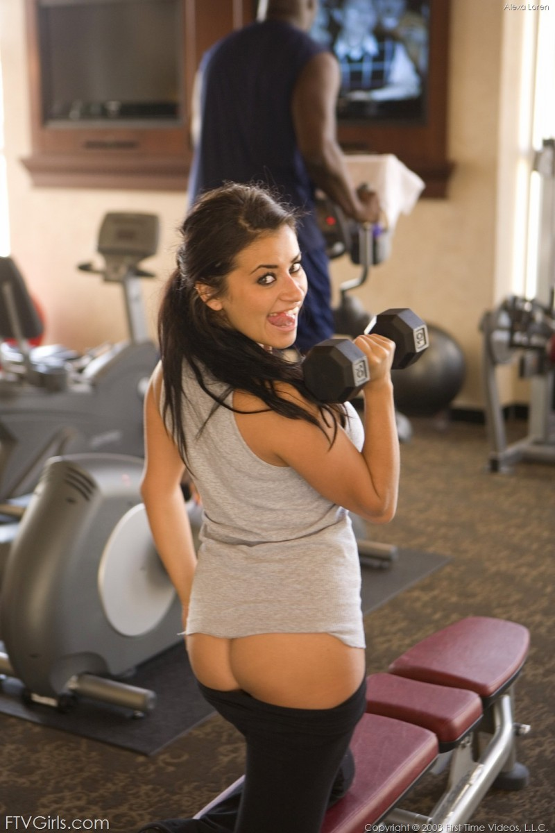 Alexa Loren at the gym