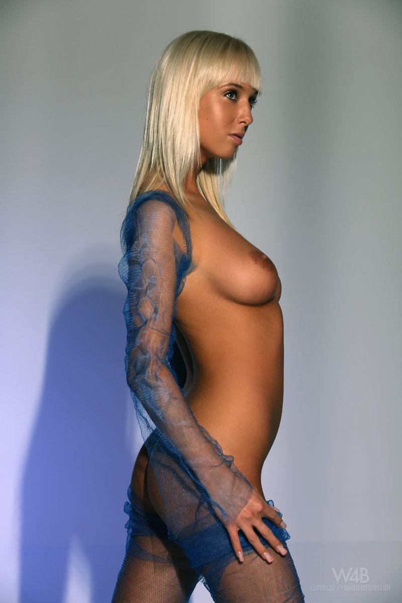 Emma in blue mesh big tits blonde Emma mesh michaela planková
