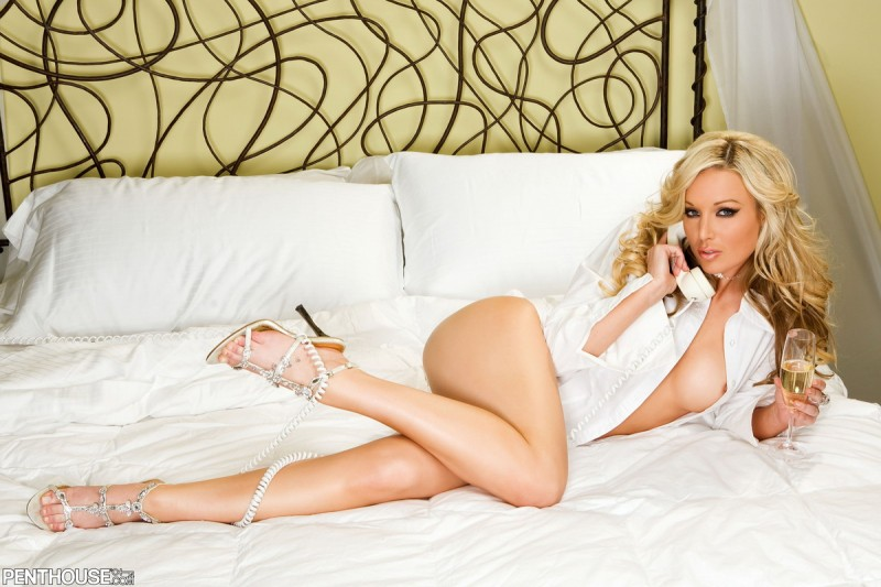 Kayden Kross in bedroom