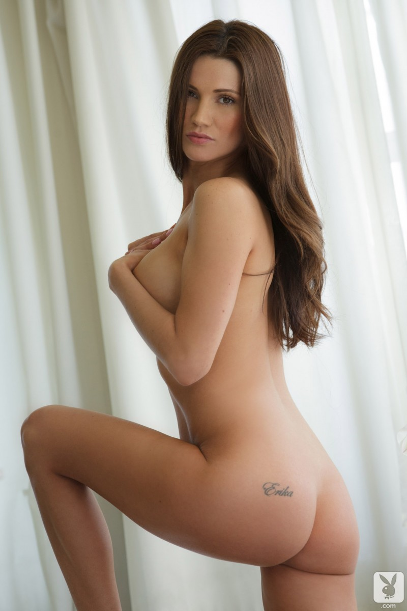 Erika Knight – Playboy Amateur brunette Erika Knight playboy