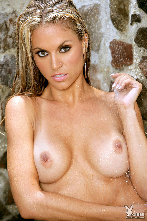 Kelly Hargraves in bikini bikini blonde Kelly Hargraves wet