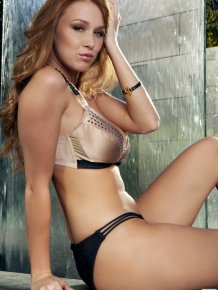 Leanna Decker – Glass fountain