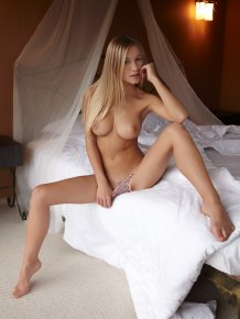 Candice in bedroom