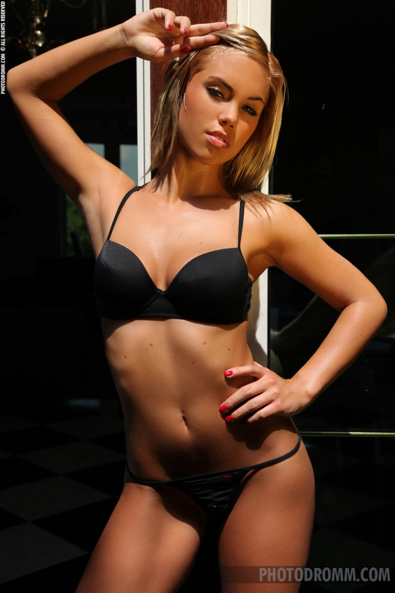 Orsy – Lovely Hungarian blonde