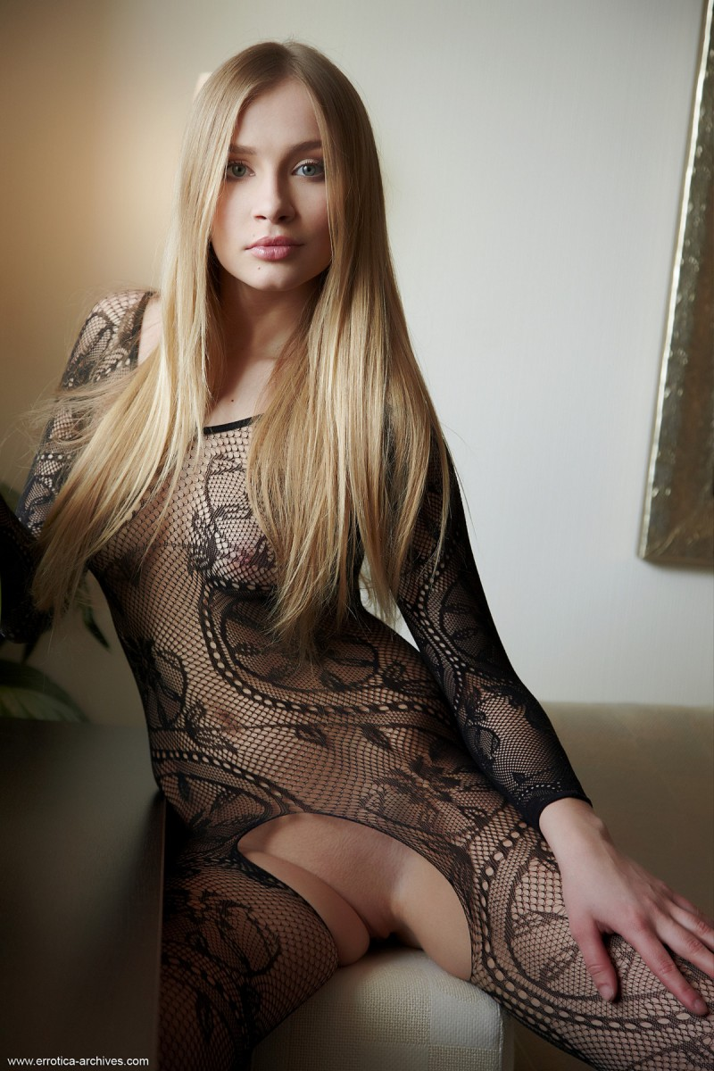 Raffaella in bodystocking