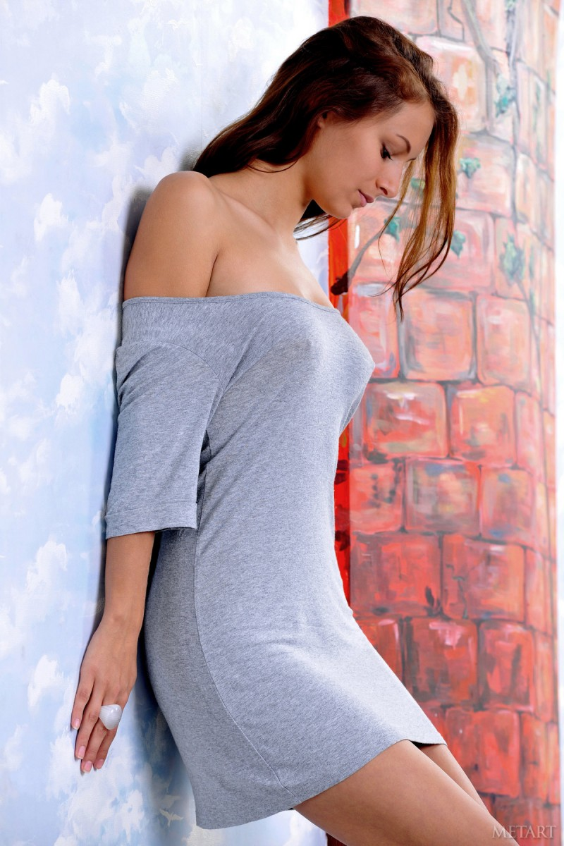 Yarina in grey dress