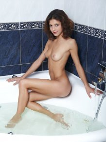 Divina in bathtub