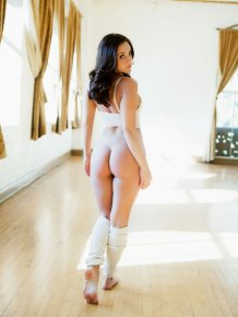 Gracie Glam in leg warmers