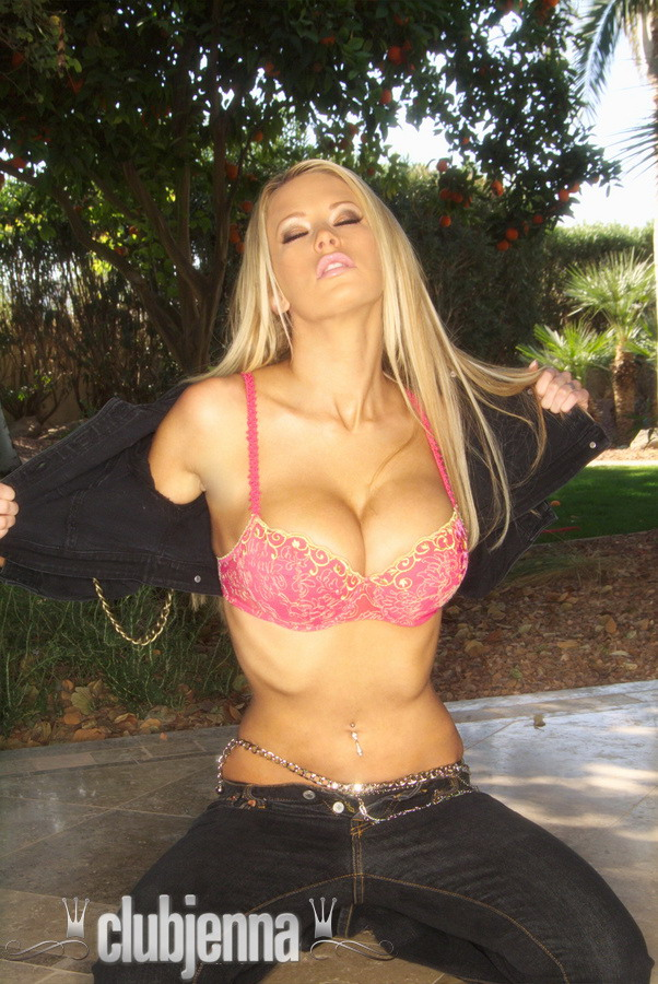 Jenna Jameson in jeans