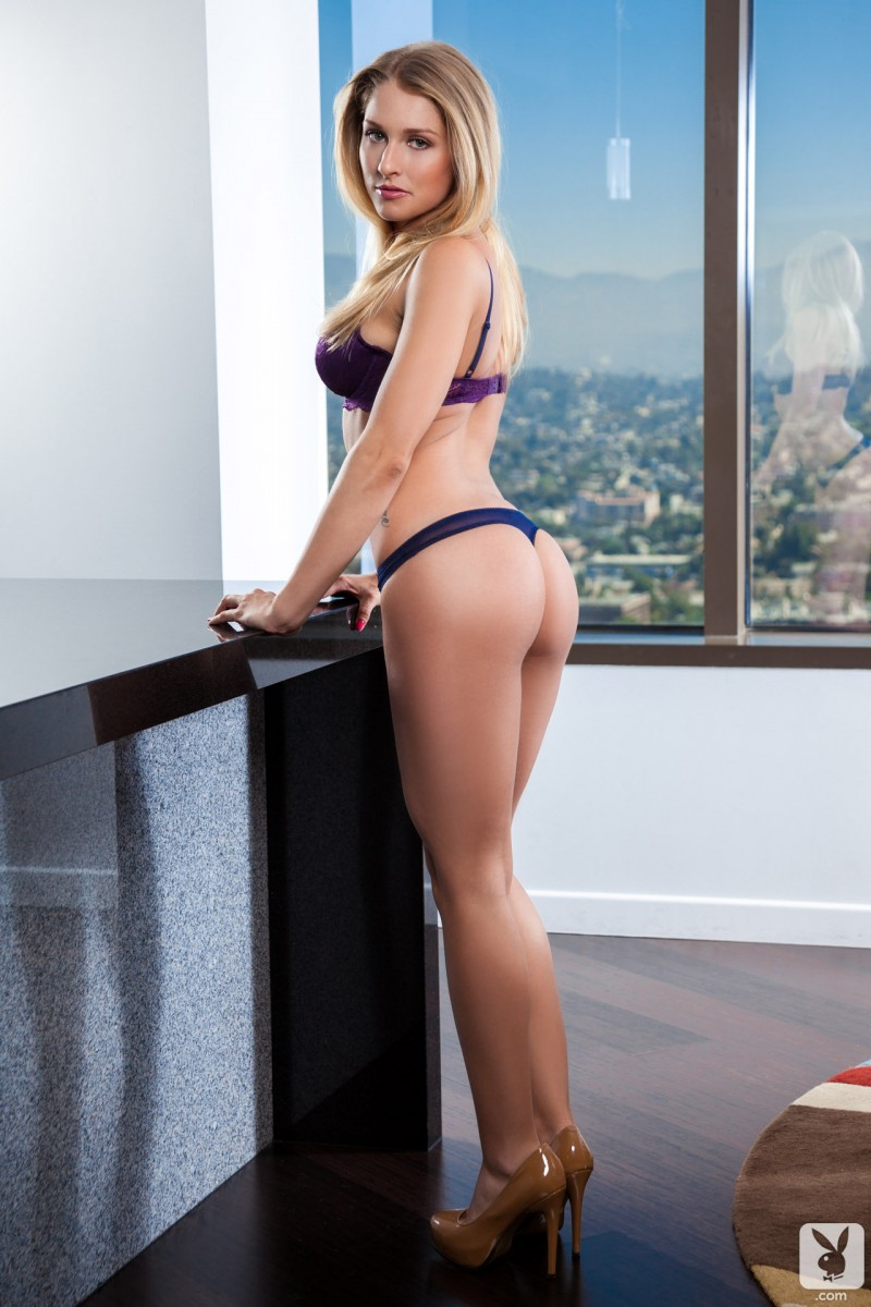 Traci Denee – Lingerie and high heels