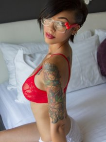 Gypsyy in red bra