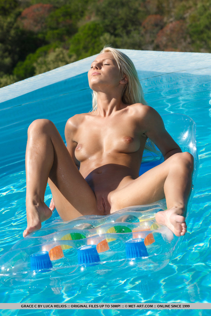 Pinky June in the pool anneli bikini blonde Grace Pinky June pool Pretty Ladies