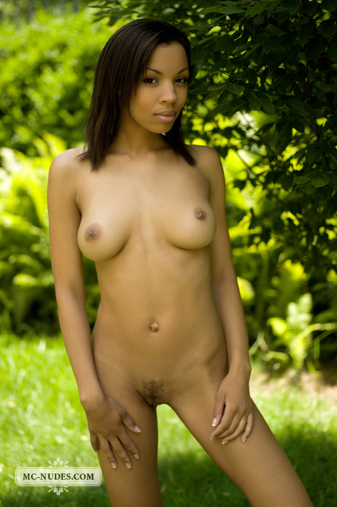 Adanna – Nude in the garden adanna ebony garden miriam Pretty Ladies