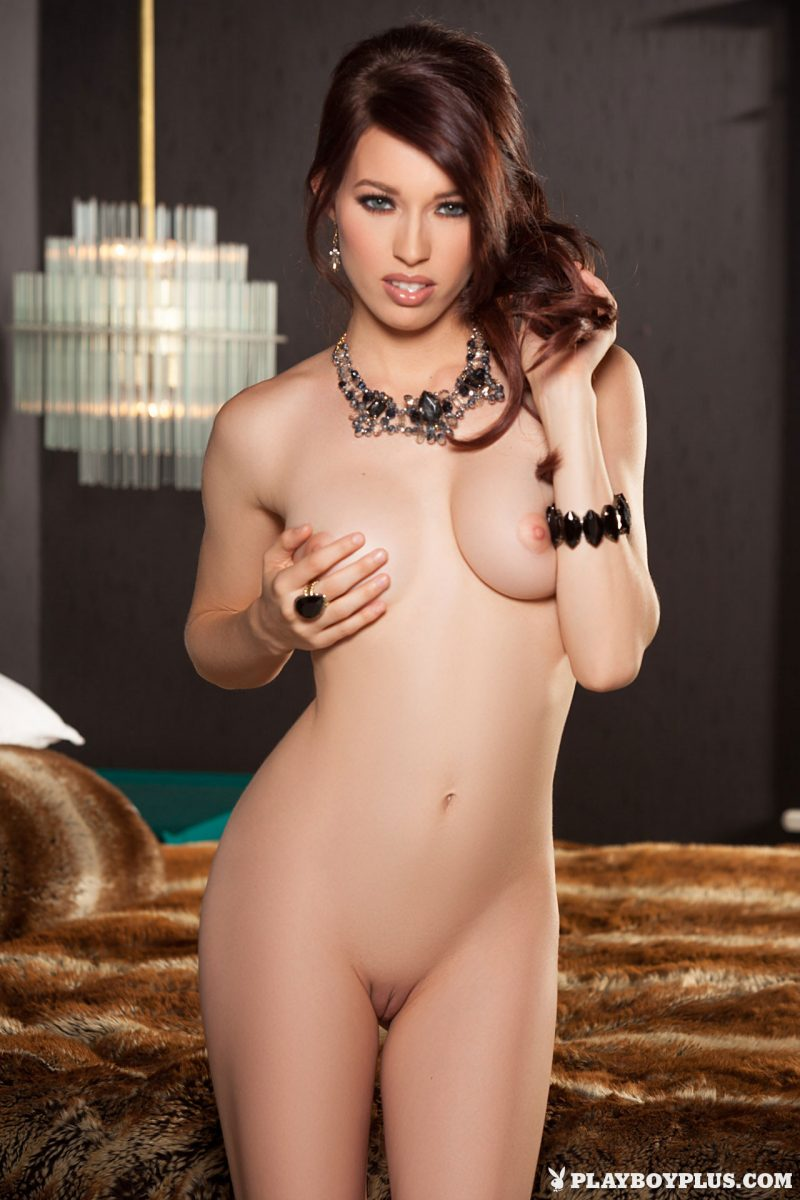 Caitlin McSwain – Golden swimsuit bedroom caitlin mcswain high heels playboy Super Chicks