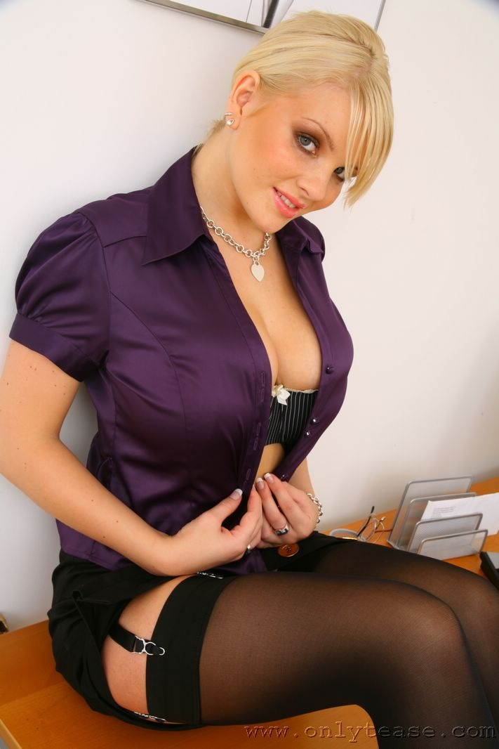 Faith Nelson – Busty secretary big boobs blonde boobs Faith Nelson fetish in bed with faith secretary stockings xxl