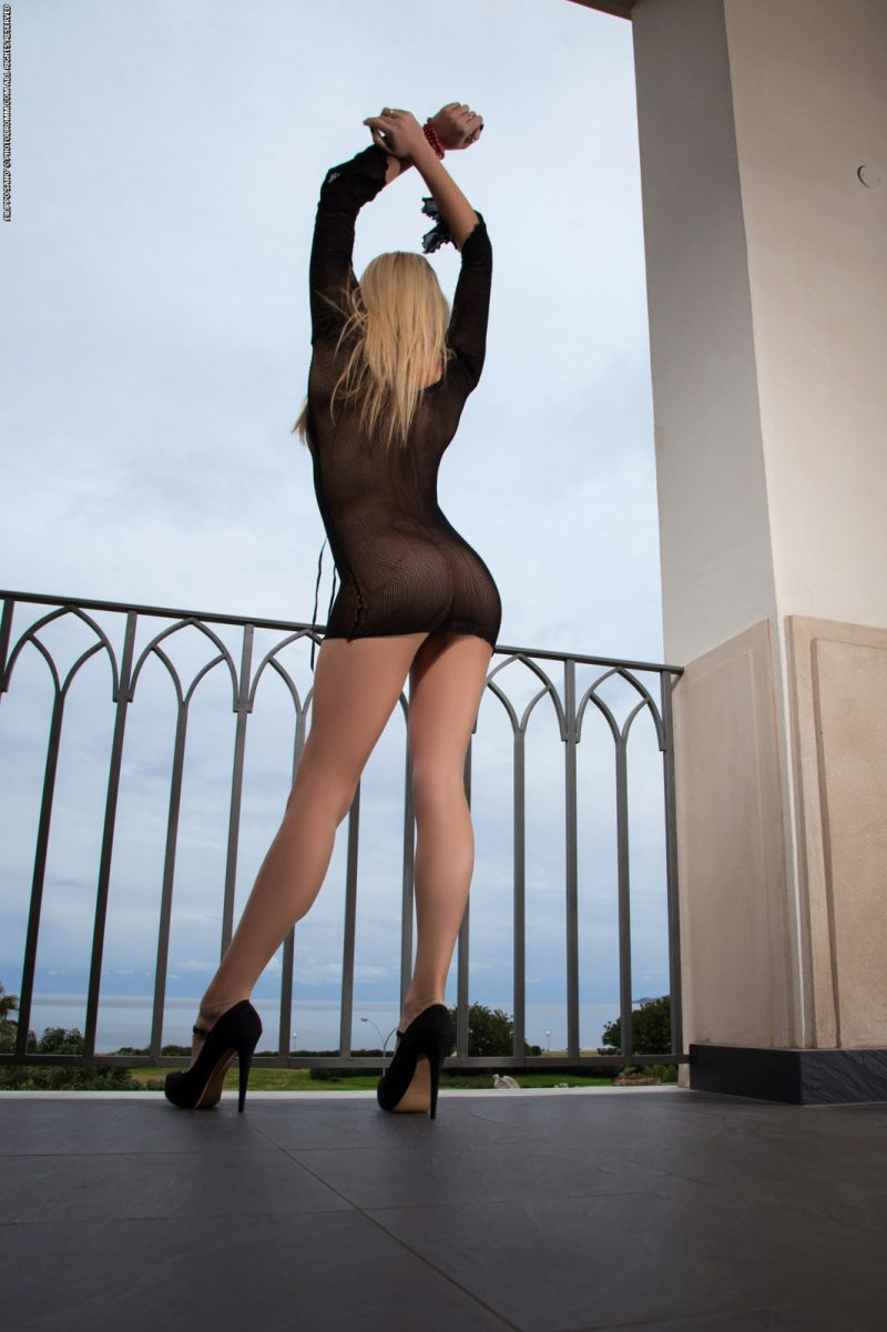 Bexie Williams on balcony balcony bexie williams blonde Pretty Ladies
