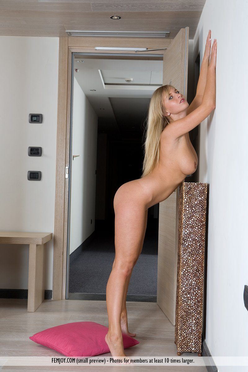 Chikita nude in lift big boobs blonde boobs chikita cikita elevator lift