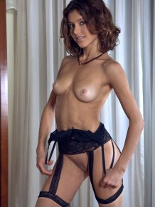 Divina – Stockings & garters