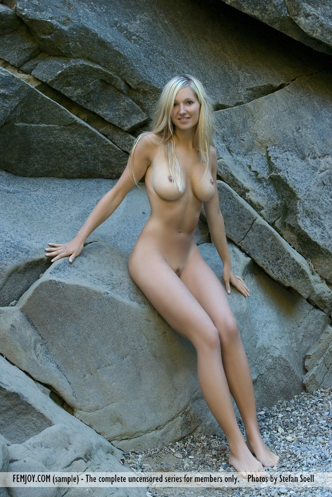 Corinna on the rocks blonde Corinna Daniela Rösch Pretty Ladies
