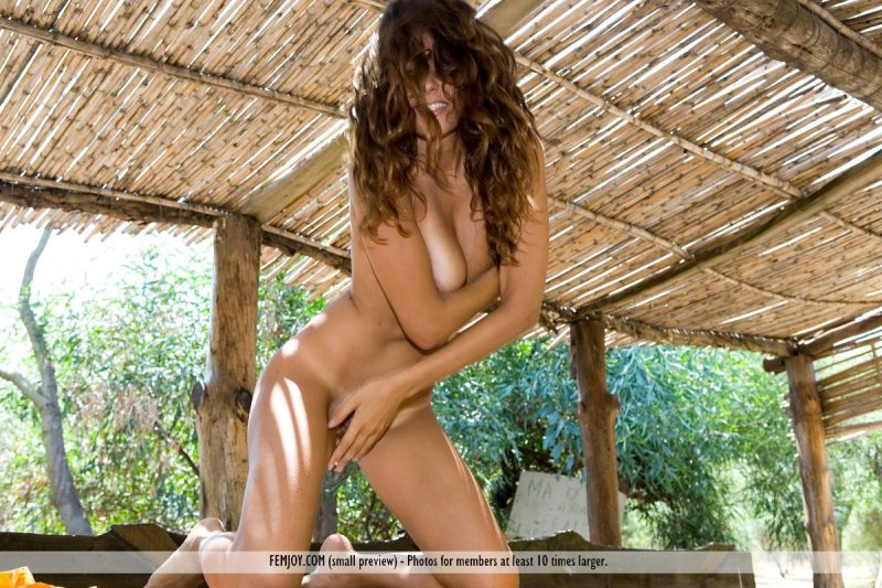 Chiara – Olive orchard chiara hairy pussy Pretty Ladies