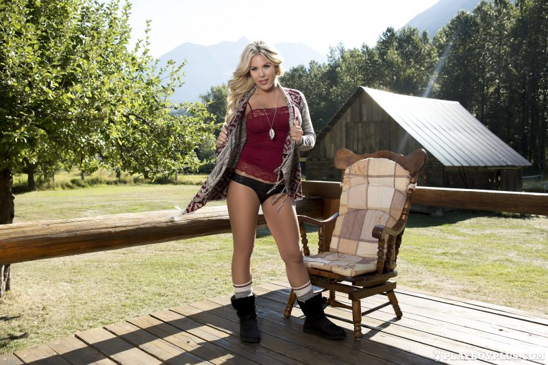 Kellie Smith – Countryside farm blonde kellie smith playboy Super Chicks