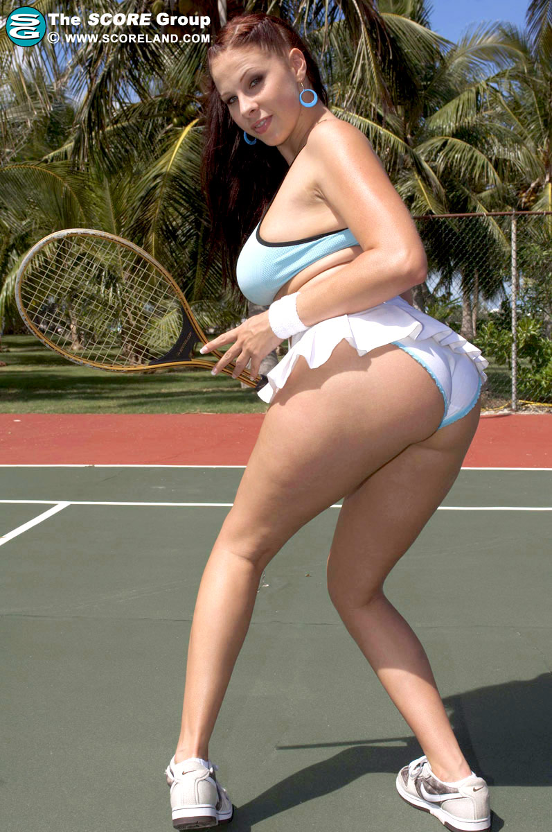 Gianna Michaels – Tennis training