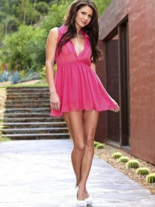 Jenni Lee in pink dress