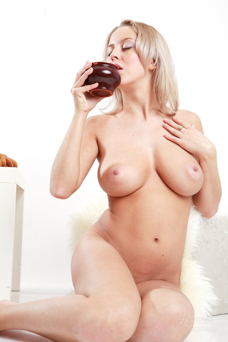 Mandy Dee – Milk & cookies big boobs blonde boobs Mandy Dee milk