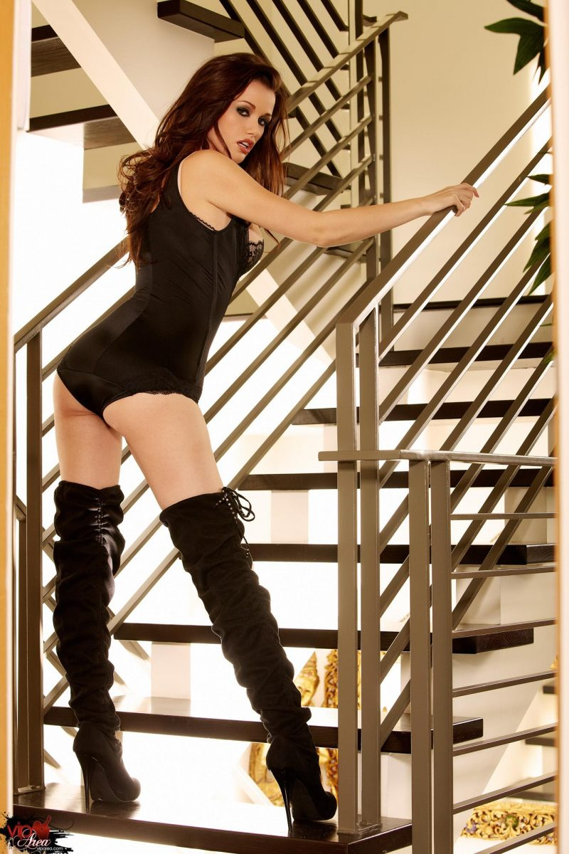 Alexis Raven in knee high heels alexis raven knee high heels Pretty Ladies stairs