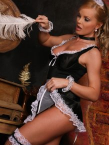 Housemaid Silvia Saint