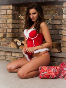 Sammy Braddy – Busty Christmas