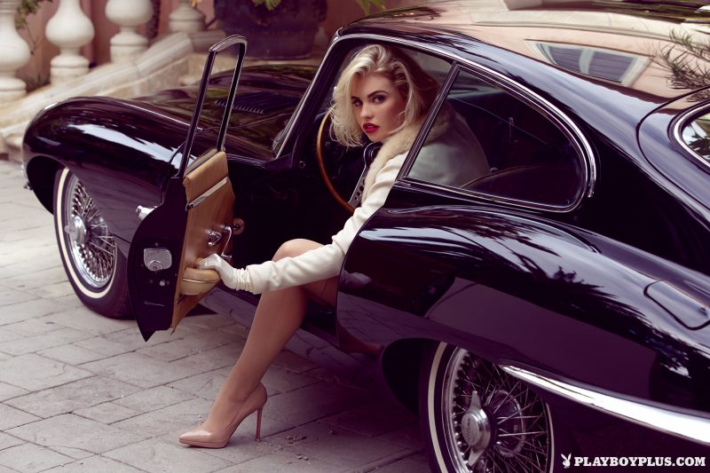 Kayslee Collins & Jaguar E-Type