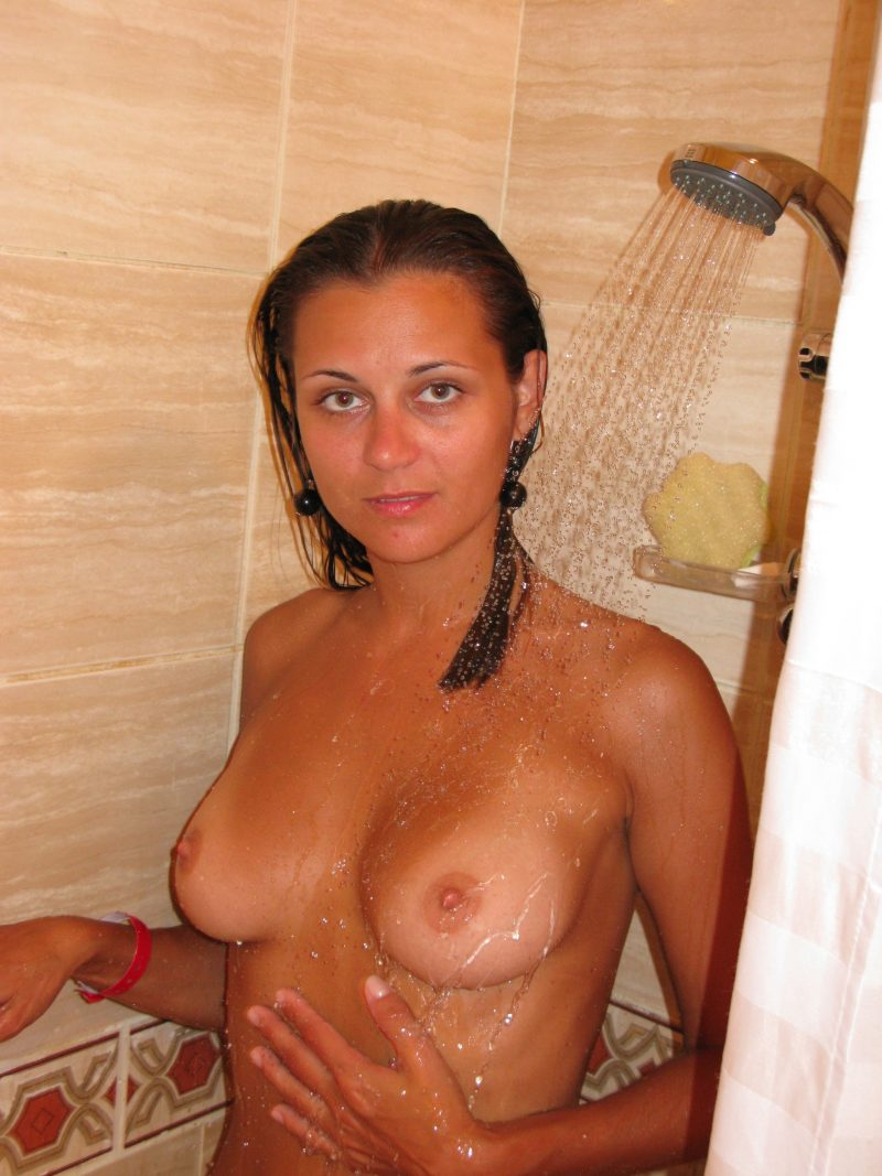 Perfect body girl on vacation amateur amateurs self shot tanned