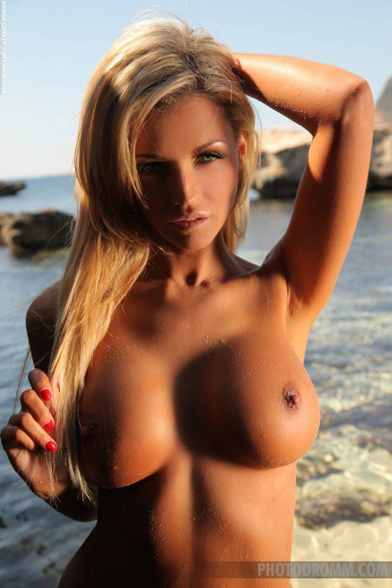 Holly Henderson at the seaside Beach & Bikini big boobs blonde boobs holly henderson seaside