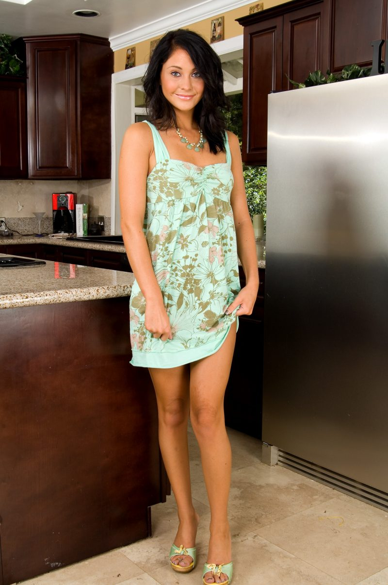 Jessica Valentino in the kitchen Jessica Valentino kitchen small tits Young girls
