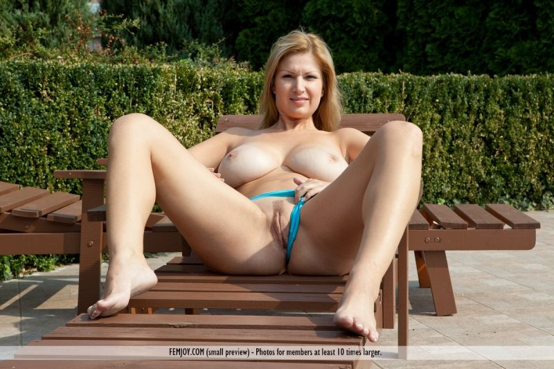 Carol Goldnerova – Poolside big boobs boobs carol goldnerova pool tits xxl