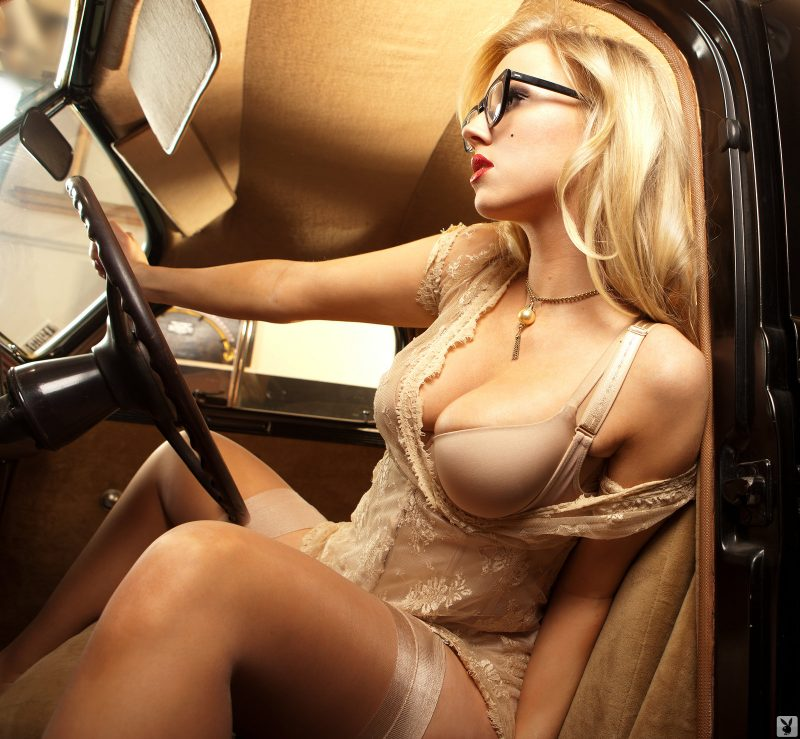 Ancilla Tilia in vintage car