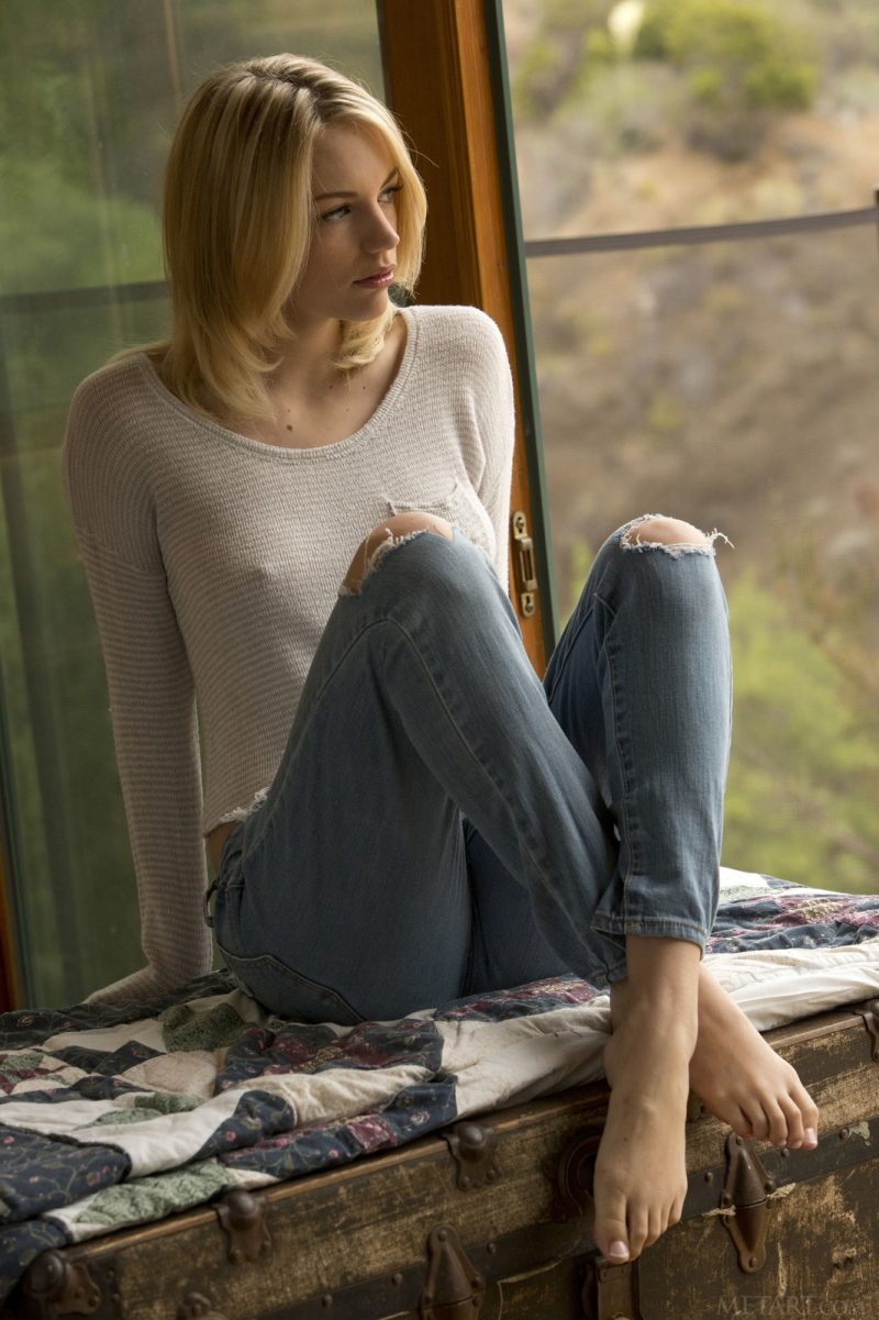 Blake Eden in ripped jeans