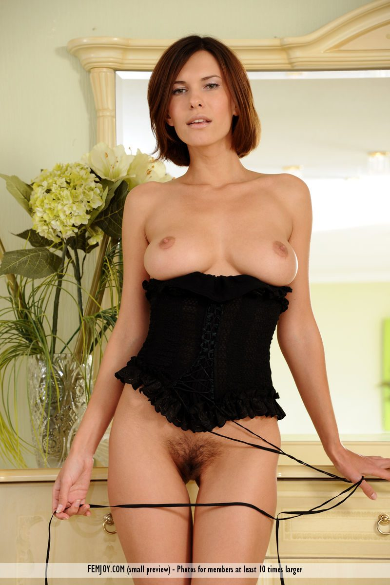 Suzanna in black corset