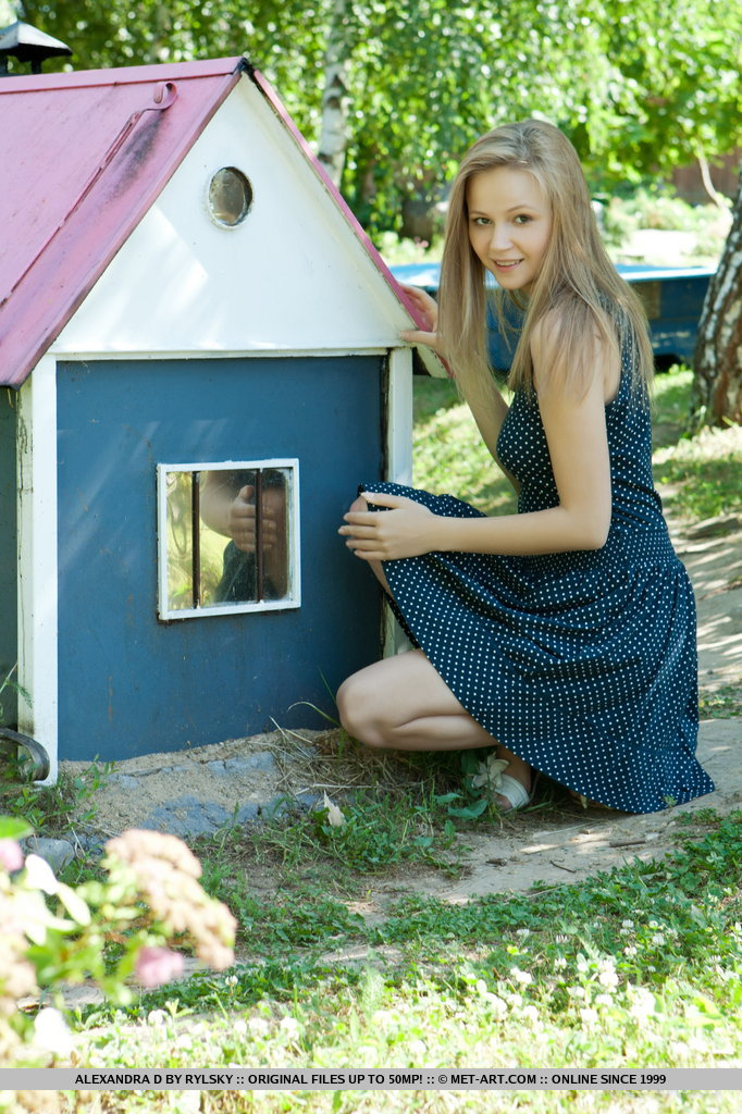Alexandra – Wooden house alexandra d long hair Pretty Ladies