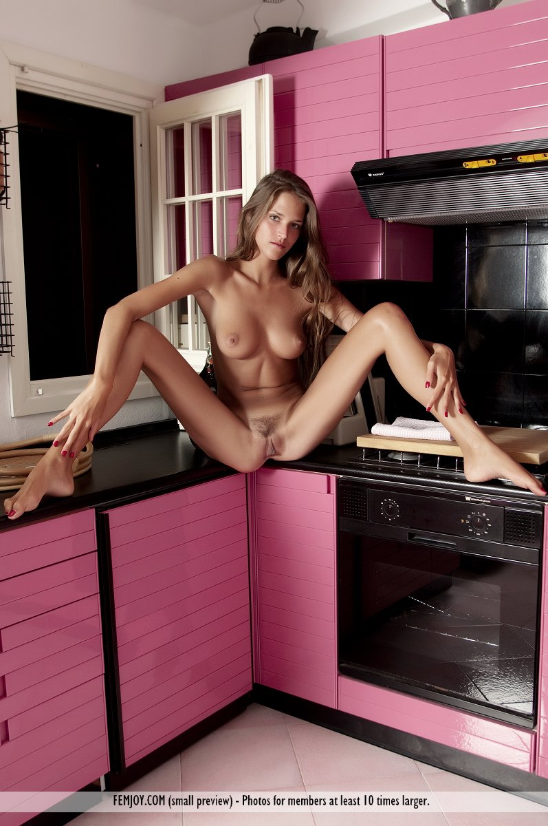 Silvie – Pink kitchen