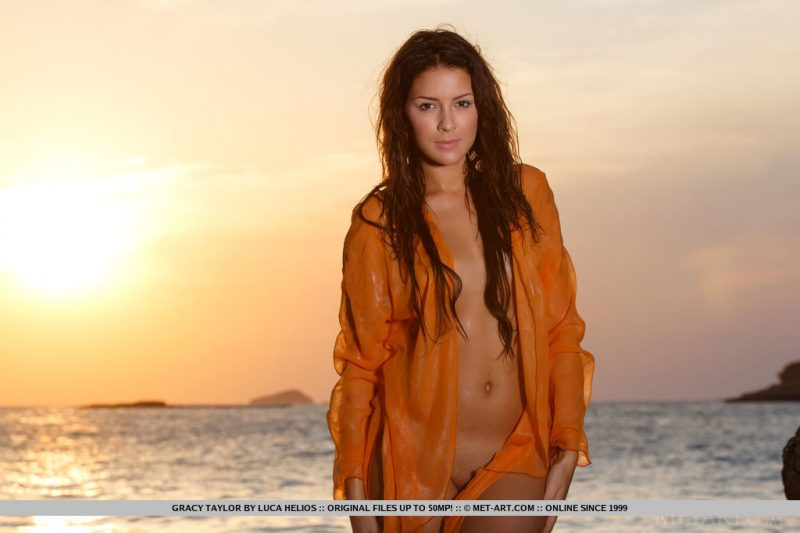Gracy Taylor – Sunset by the sea