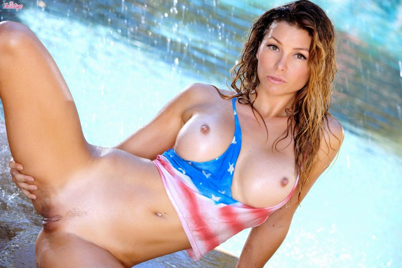 Heather Vandeven getting wet with a garden hose garden hose Heather Vandeven milf pool Pretty Ladies sunglasses wet