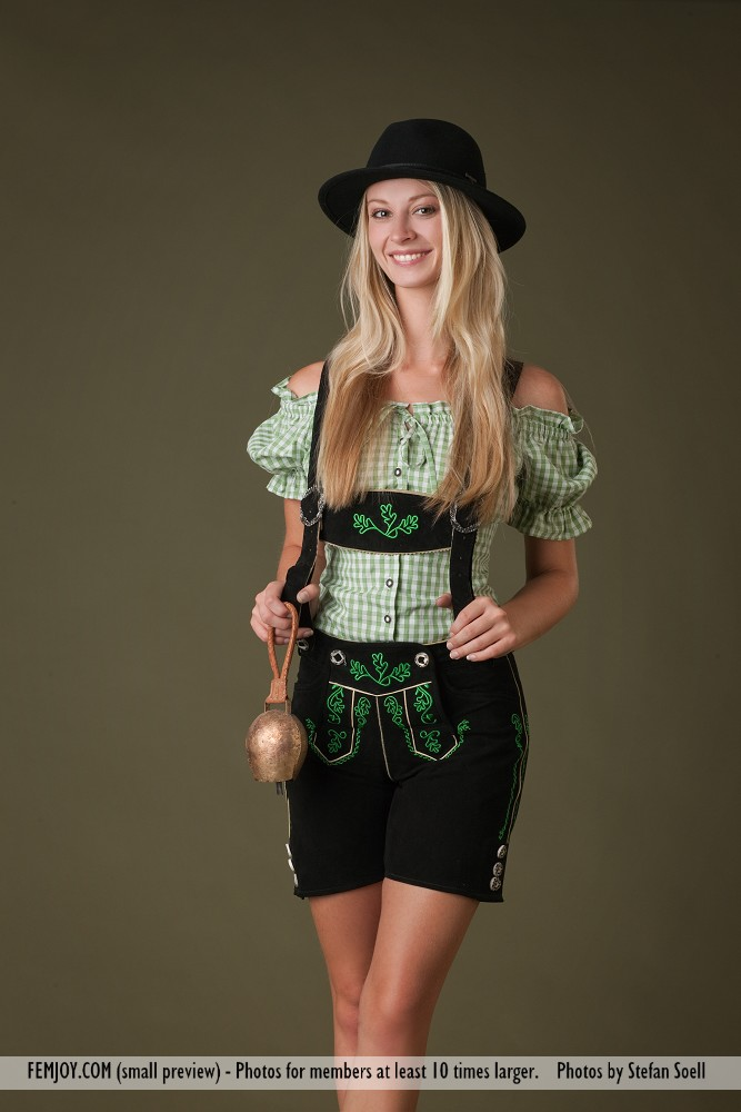 Carisha – Bavarian girl bavarian girl blonde boobs Carisha Dress Up