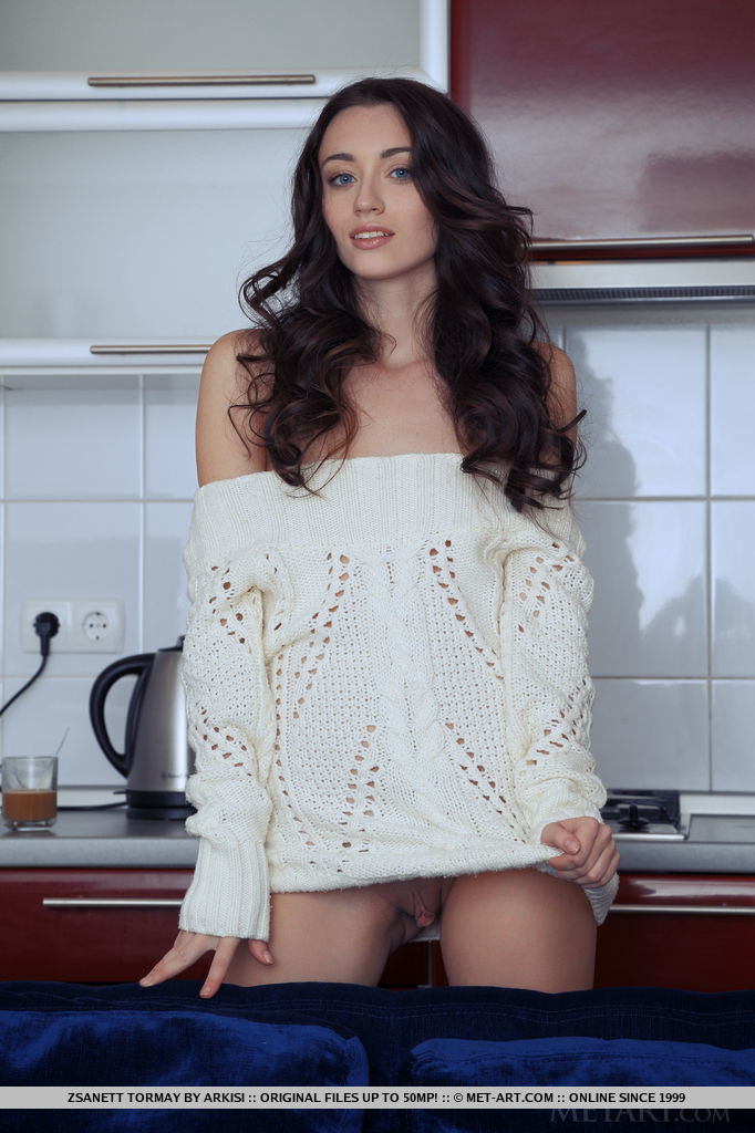 Zsanett Tormay – Morning coffee coffee kitchen Pretty Ladies skinny small tits zsanett tormay